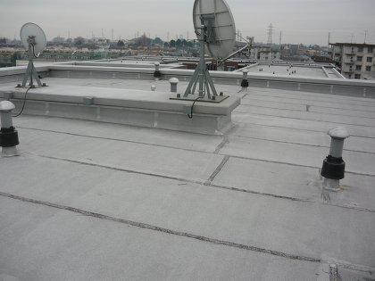 マンションを屋上はなぜ平らなの?