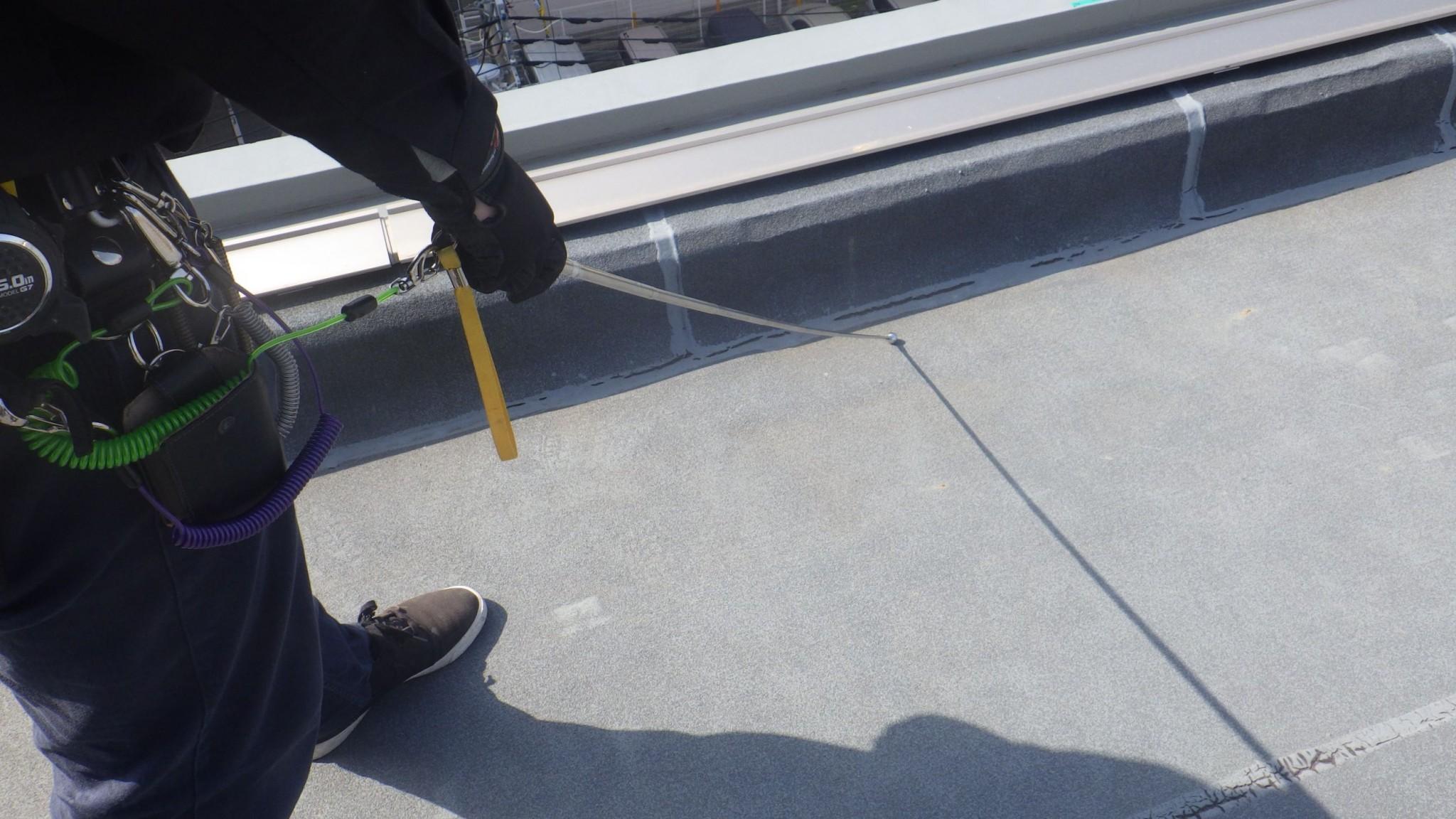 マンションの屋上の調査